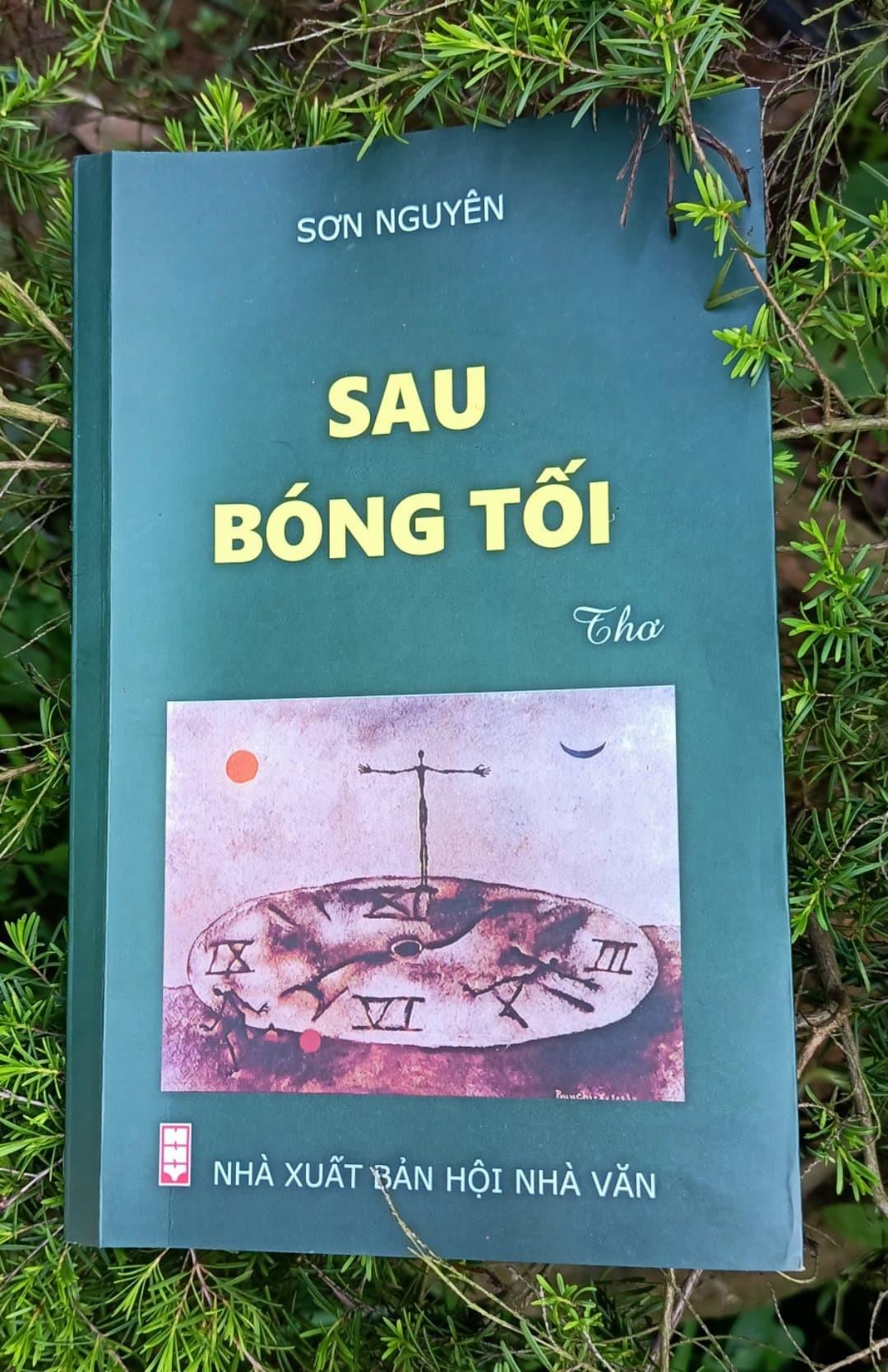 bia-tap-tho-sau-bong-toi-1623031852.jpg